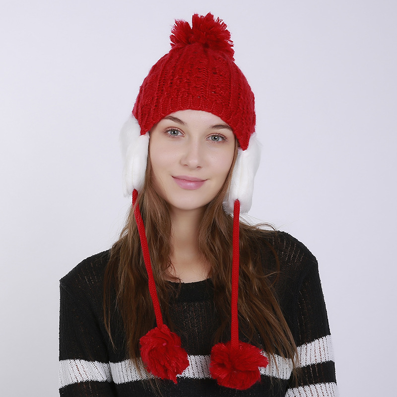 Autumn-and-winter-knitted-warm-hats-Hand (1).jpg