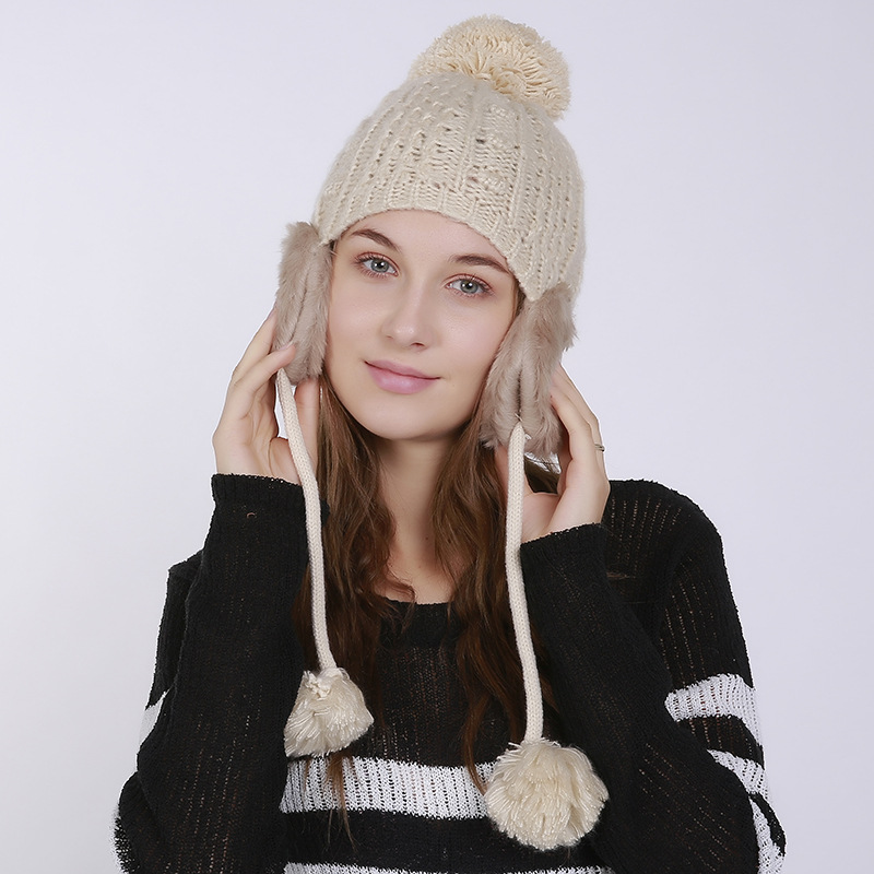 Autumn-and-winter-knitted-warm-hats-Hand (2).jpg