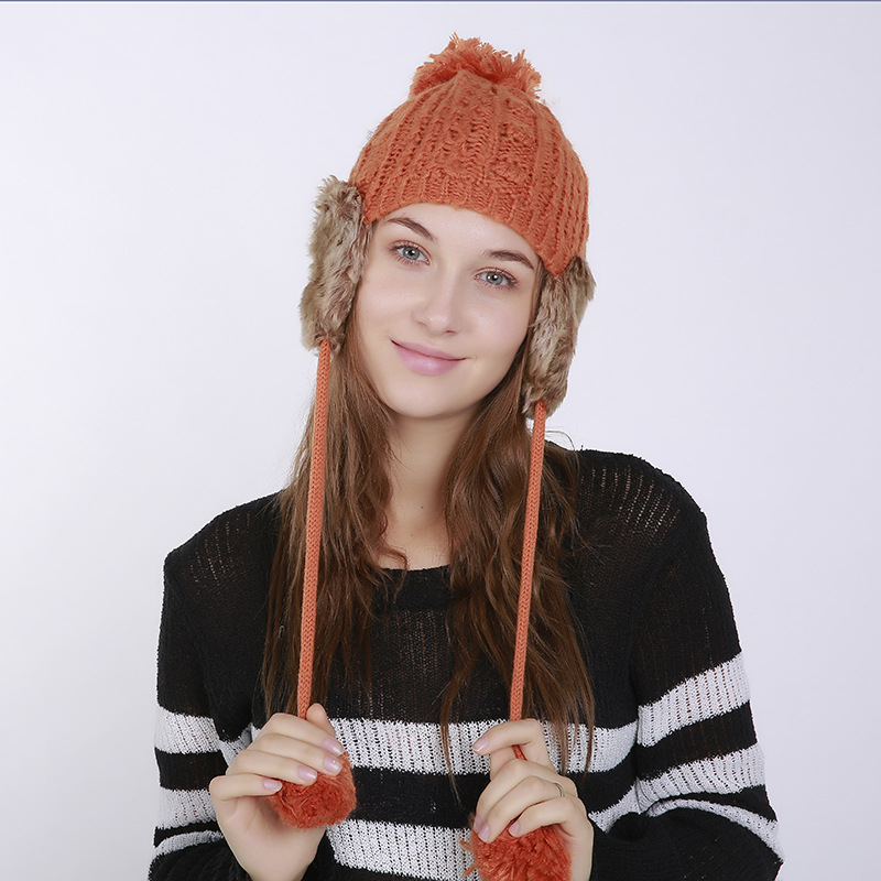 Autumn-and-winter-knitted-warm-hats-Hand (3).jpg